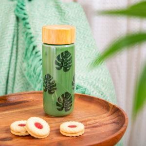 Botella de cerámica con tapa de bambú